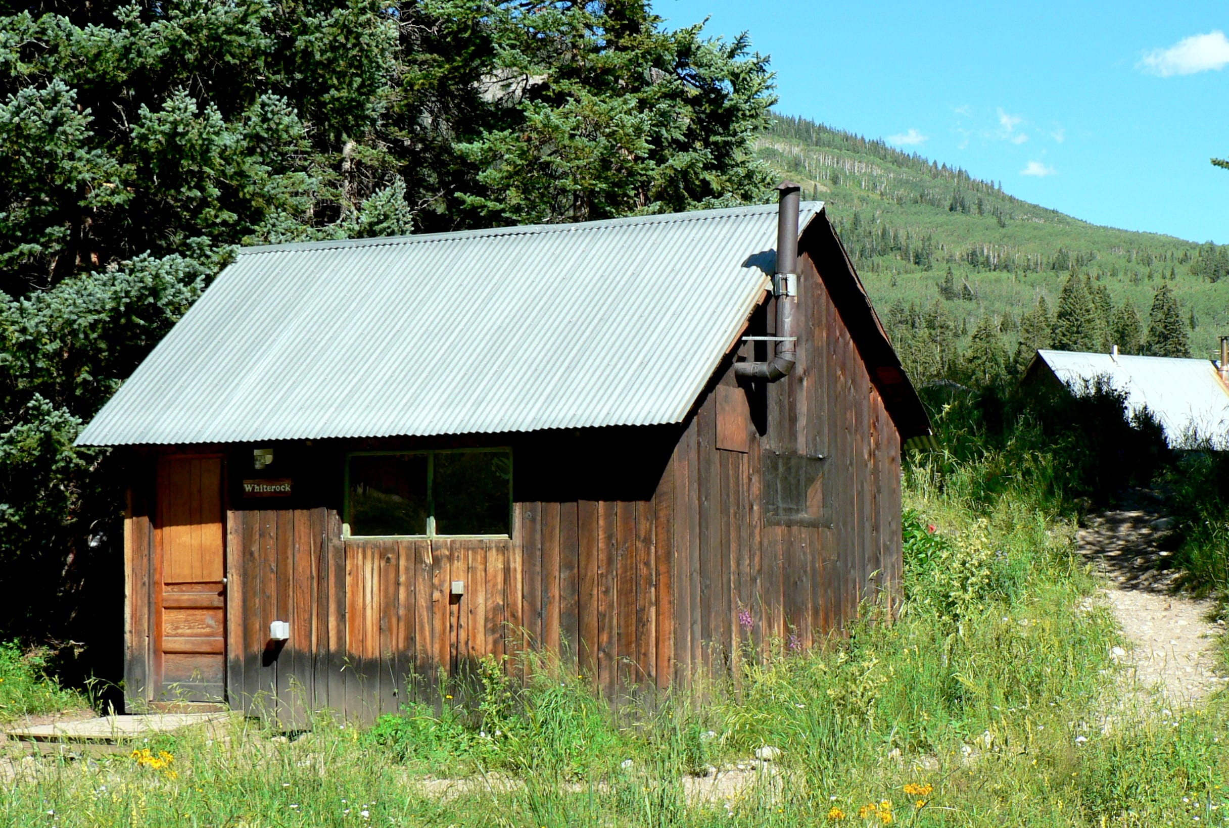 Housing rocky mountain biological laboratory for White rock mountain cabins